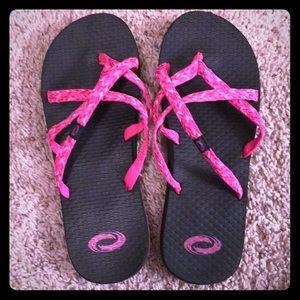 Shoes - Women's O' Rageous Sandals